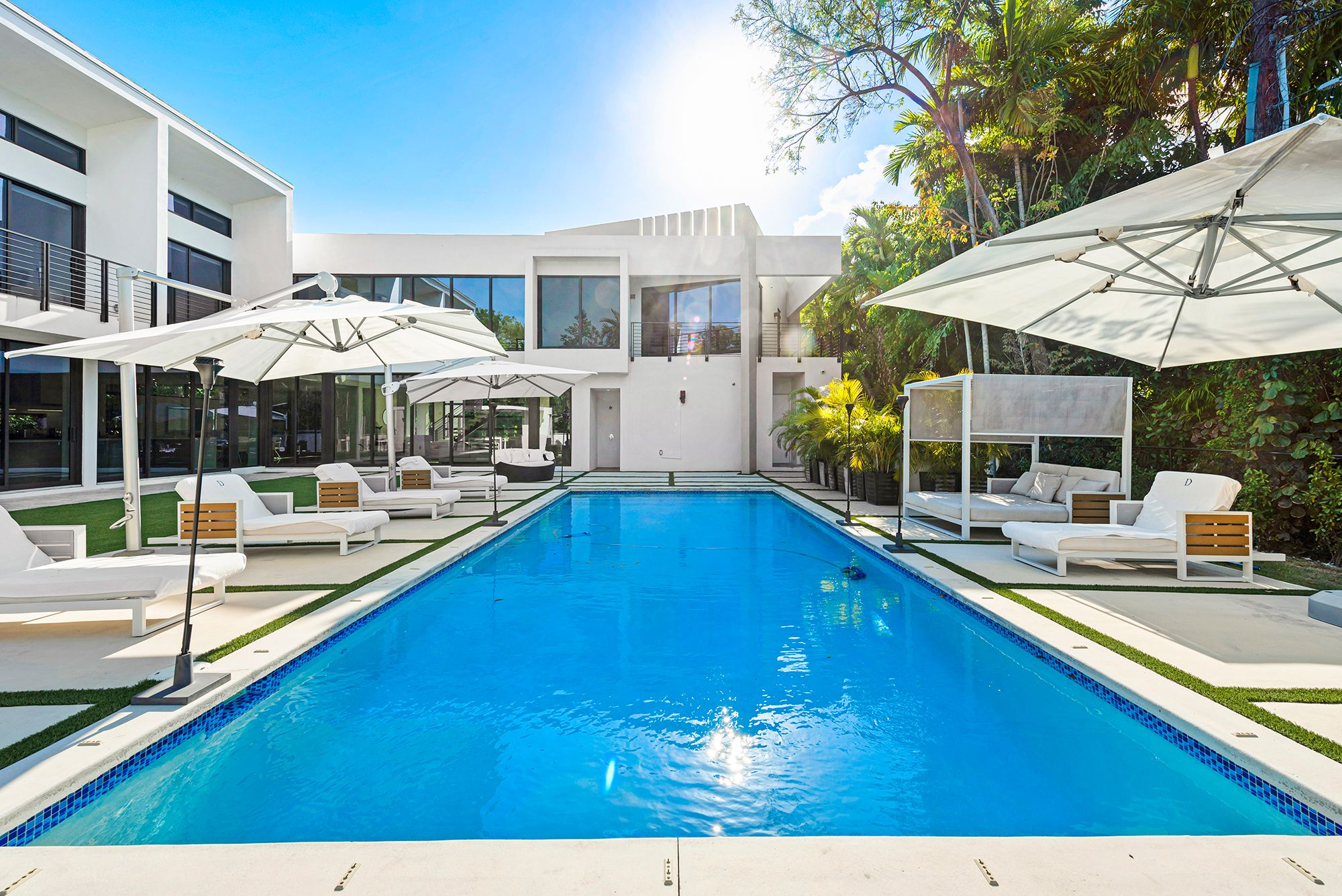Los Angeles, Miami and Cabo Rentals Available This Summer